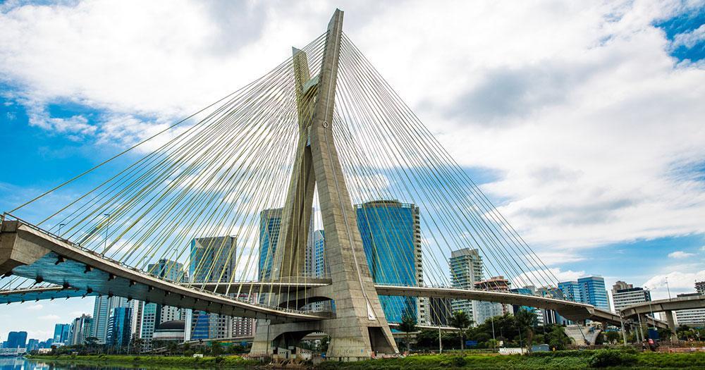 Sao Paulo - Brücke gated in Sao Paulo