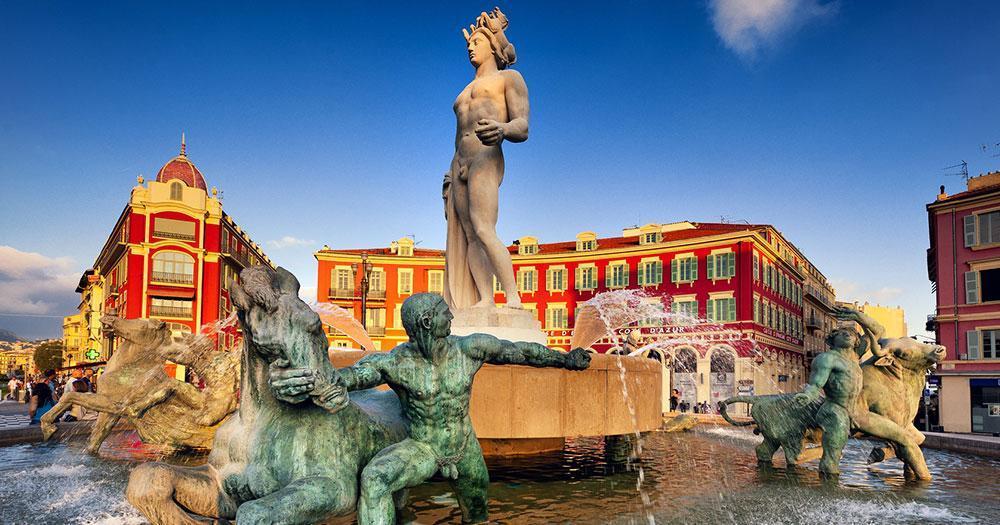 Côte d'Azur - Fountain at Place Massena