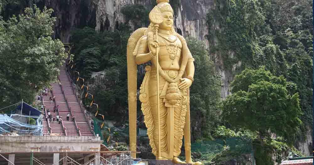 Kuala Lumpur - Batu Caves statue