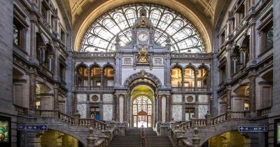 Antwerp - The station concourse of Antwerp