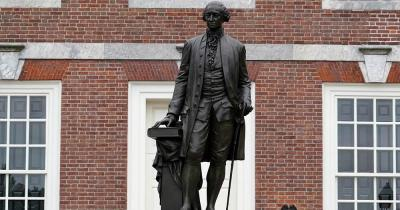 Philadelphia - George Washington Statue