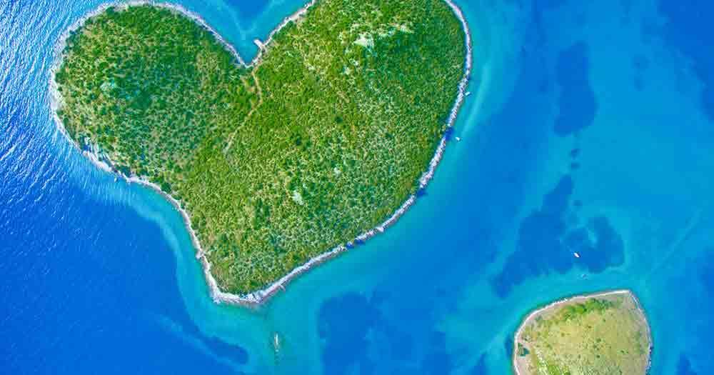 Galesnjak - island in heart shape