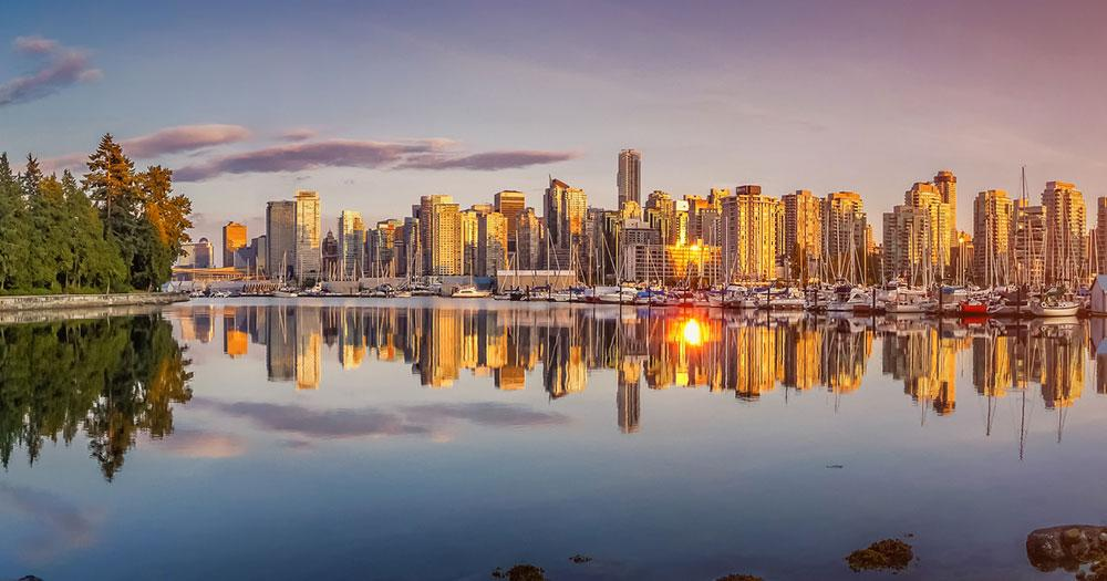 Vancouver - Skyline in the evening light